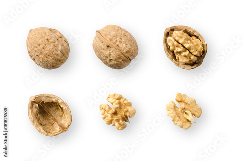 Fotomural Walnuts, whole and opened, on white background