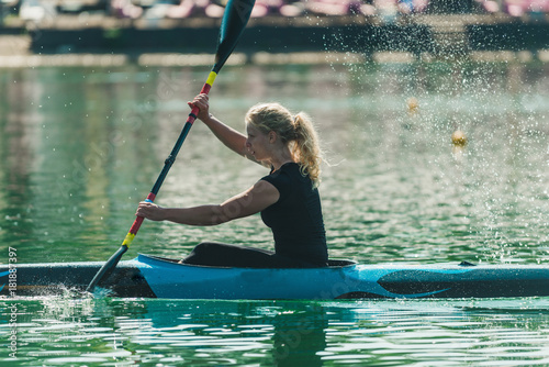 Valokuva  Kayak - female kayaker, training