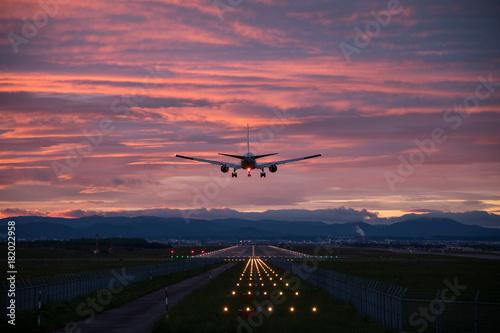 Photo 夕陽と飛行機 #2