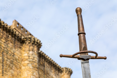 Fototapeta siege to the castle with swords