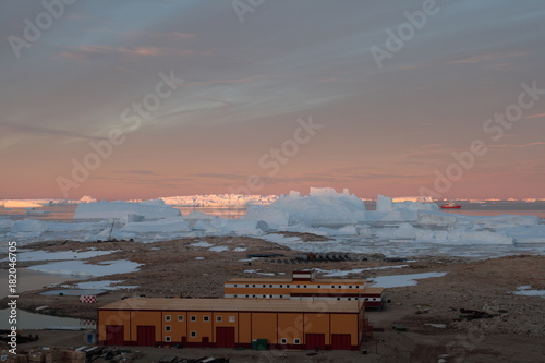 Foto op Canvas Antarctica Progress station, Antarctica February 20, 2017: Panorama and just air. View of the ocean, icebergs and polar station, terrain and scenery Antarctic. Sunrise, Day, sunset. Shooting with quadrocopter.