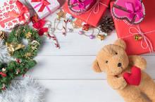 Teddy Bear Doll And Gift Box O...