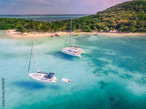 Fototapeta Tobago Cays, vue aérienne. Saint-Vincent et les Grenadines