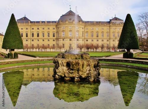 Foto  Würzburg, Residenz mit Hofgarten