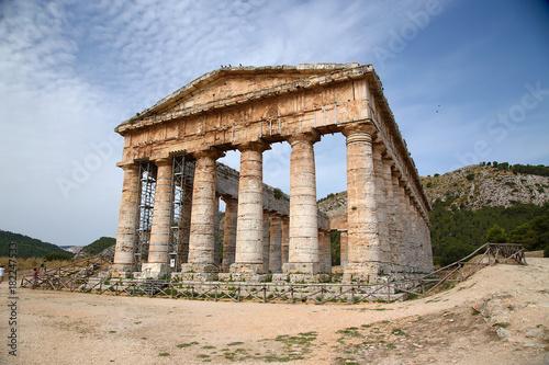 Fotografie, Obraz  Segesta, Sicily. Ancient temple, V cent. BC