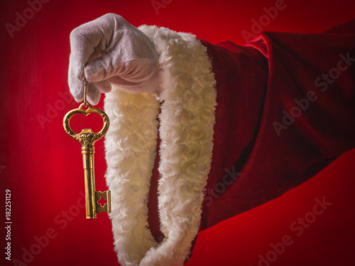 Photo Happy New Year! Surprise of Santa Claus a key from new house.