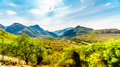 Foto auf Leinwand Elefant View of the Valley of the Elephant with the village of Twenyane along the Olifant River in Mpumalanga Province in northern South Africa