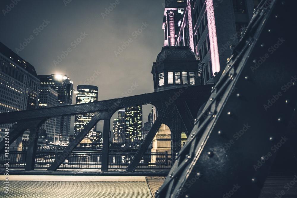 Fototapety, obrazy: Downtown Chicago Iron Bridges