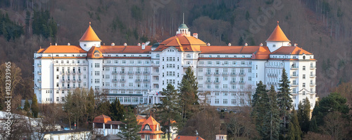 Photo  Karlovy Vary, famous spa town hotel banner, Czech Republic