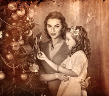 Christmas Photo With Mother An...