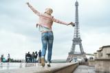 Fototapeta Fototapety Paryż - Young girl on vacation