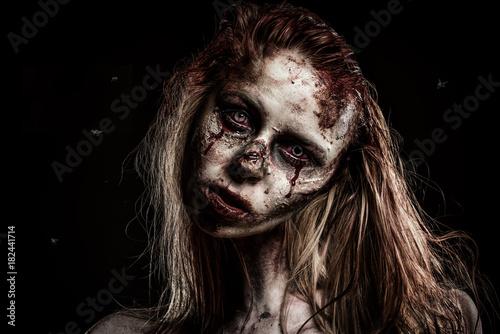 Photo Zombie Girl and Flies