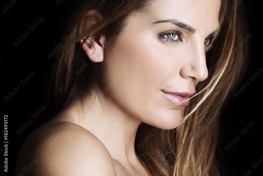 Fototapeta Bellissima donna di profilo