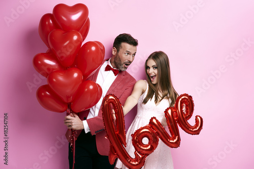 Couple make preparations for Valentine's party