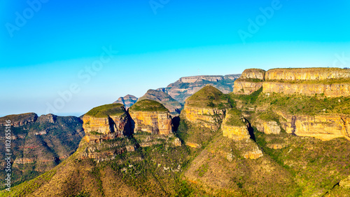Spoed Foto op Canvas Turkoois Highveld with the Three Rondavels of the Blyde River Canyon along the Panorama Route in Mpumalanga Province of South Africa