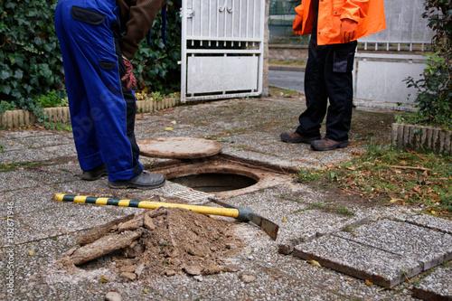 Controle des raccordements et branchements d'assainissement au réseau des eaux u Canvas-taulu