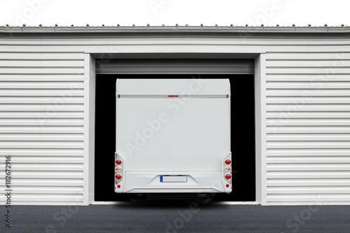 Reisemobil in Garage