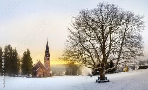 Bajkowy Zieleniec i kościół św.Anny - 182686382