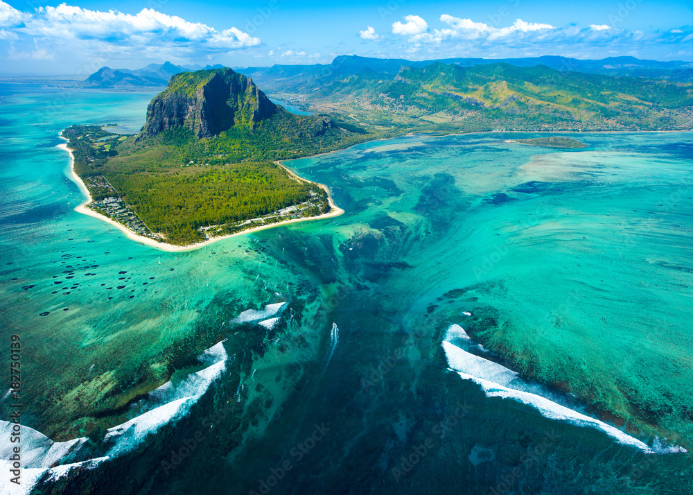 Fototapety, obrazy: Aerial view of Mauritius island reef