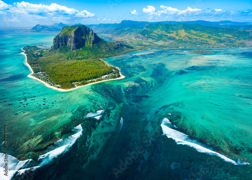 In de dag Luchtfoto Aerial view of Mauritius island reef