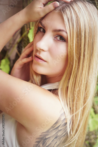 Schone Blonde Frau Buy This Stock Photo And Explore Similar Images