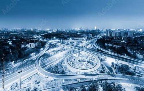 Photo city overpass at night