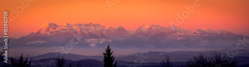 Keuken foto achterwand Oranje eclat Panorama Kamnisko–Savinjske Alps