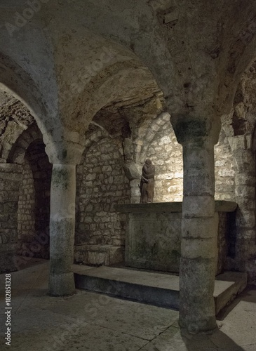 Valokuva  Crypte Saint-Domitien à Saint-Rambert-en-Bugey, Ain, France