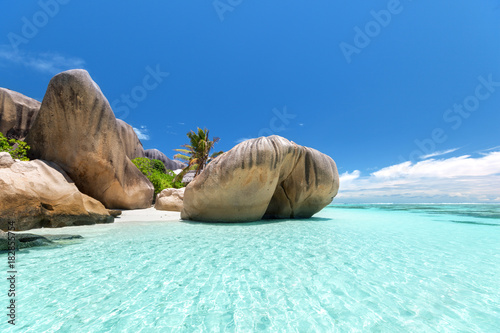 Photo sur Aluminium Tropical plage Anse Source d'Argent beach, La Digue island, Seyshelles
