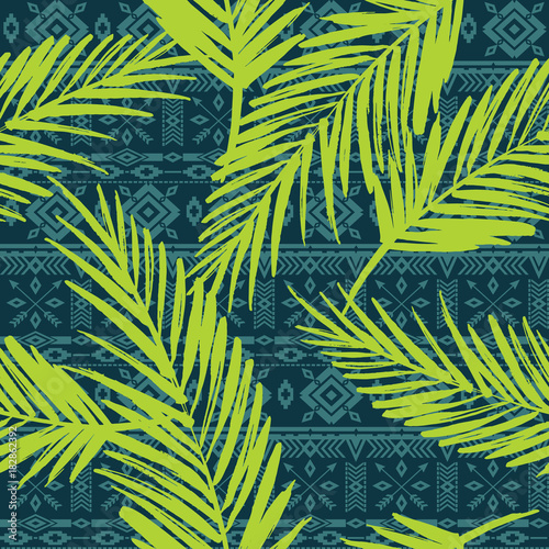 Fotobehang Tropische bladeren Seamless exotic pattern with palm leaves.