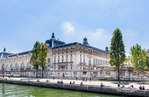 Canvastavla Orsay Museum on the shore of the Seine river, Paris, France