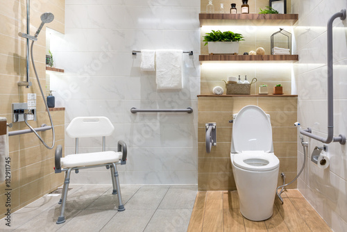 Foto  Interior of bathroom for the disabled or elderly people