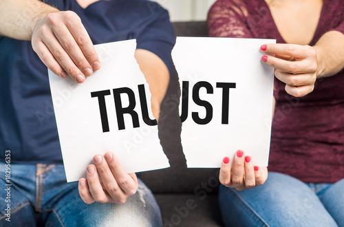 Photo No trust