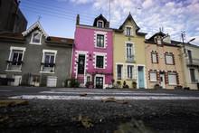 Maisons Colorées Dans La Vill...