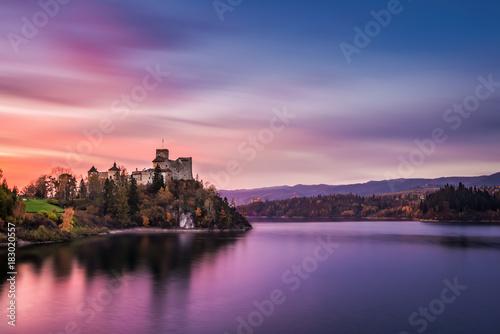 autumn-czorsztyn-castle-landscape-niedzica-pieniny-poland