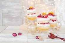 Dessert In Schichten Mit Weiss...