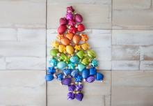 Weihnachtsbaum Aus Bunten Chri...