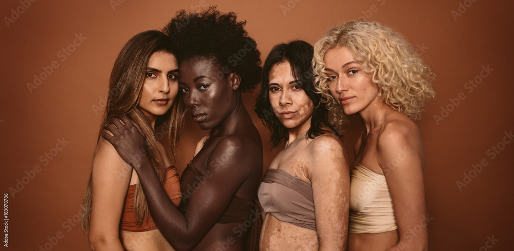 Fototapety, obrazy: Group of diverse women standing together