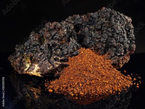 Chaga Pilz - Pulver - kaufen Sie dieses Foto und finden ...