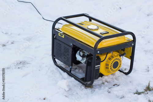 gasoline generator on snow Fototapet