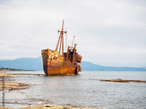 Foto op Canvas Schipbreuk Shipwreck in a beach of Githeio,Greece
