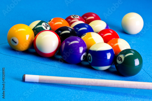 Obraz na plátně Billiard pool game eight ball setup with cue on billiard table