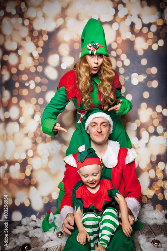 Weihnachtslieder Zum Singen.Weihnachtslieder Singen Buy This Stock Photo And Explore Similar