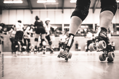 Canvas Print Legs of a roller derby player - close up