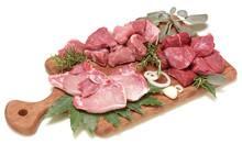 Carne Di Selvaggina Su Taglier...