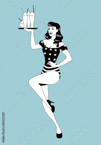 Photo Pinup girl carrying a tray with smoothies, ice cream or frozen yogurt