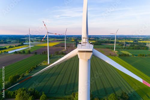 Zdjęcie XXL Turbina wiatrowa z powietrza, Niemcy