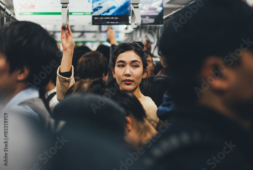 Stickers pour portes Lieu connus d Asie Beautiful japanese woman in the metro station