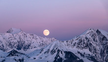Full Moon Rising In Winter In ...