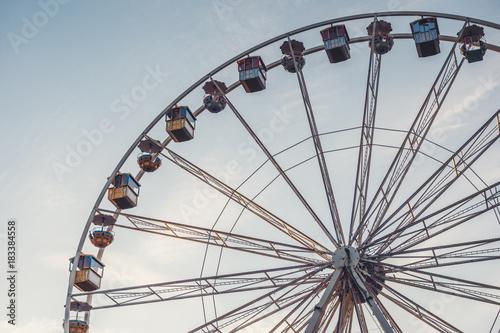 Papiers peints Attraction parc Ferris wheel in amusement park